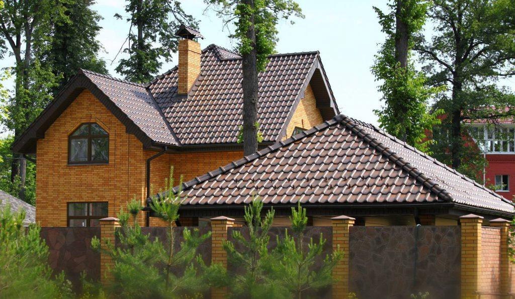 крыша с керамической черепицы